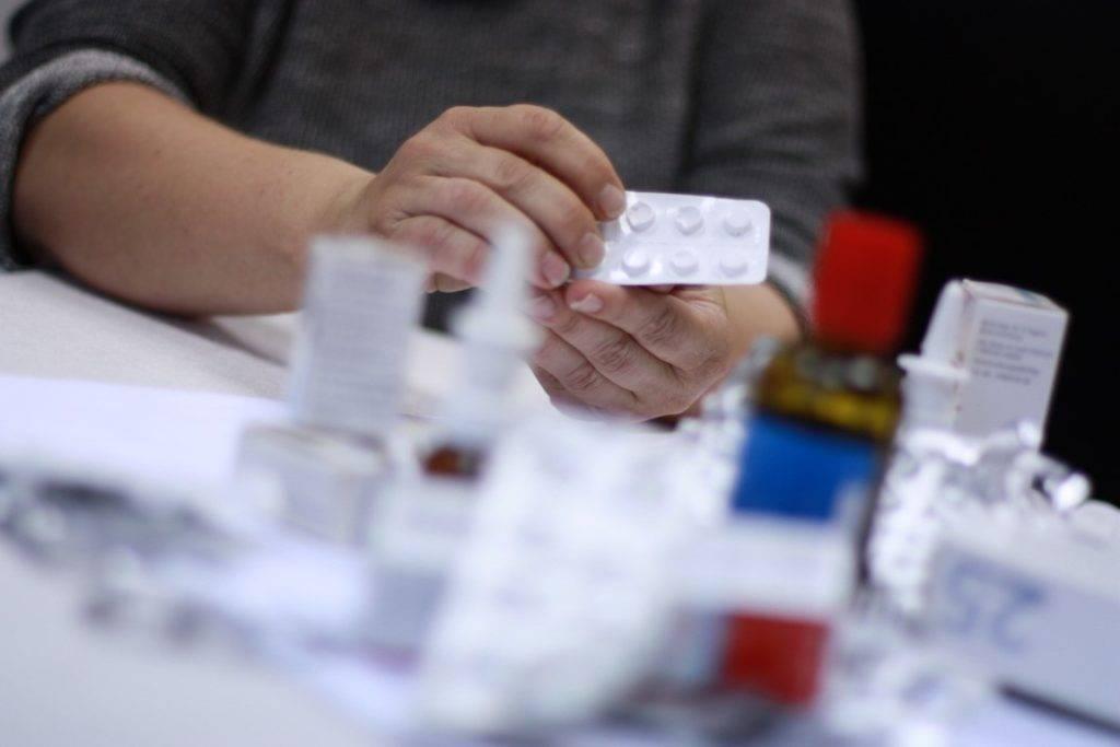 Medikamenten Sucht existiert in vielen Haushalten Deutschlands. Meist ohne, dass die Betroffenen selbst es merken.